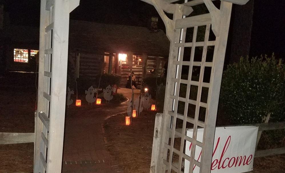 Cabin Halloween 2018-1